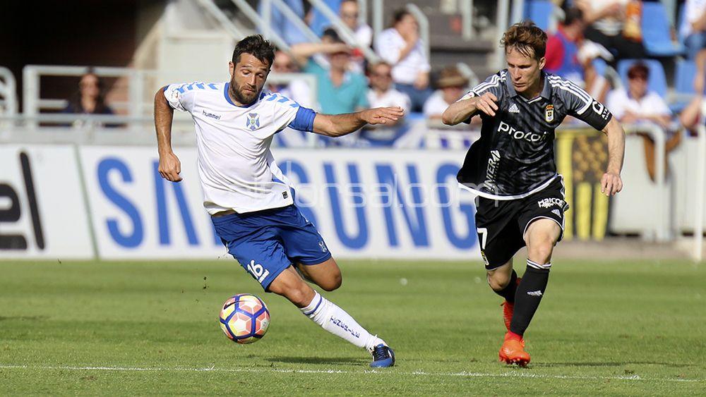 El Oviedo se interesa por Aitor Sanz, que acaba contrato con el CD Tenerife en la 17-18