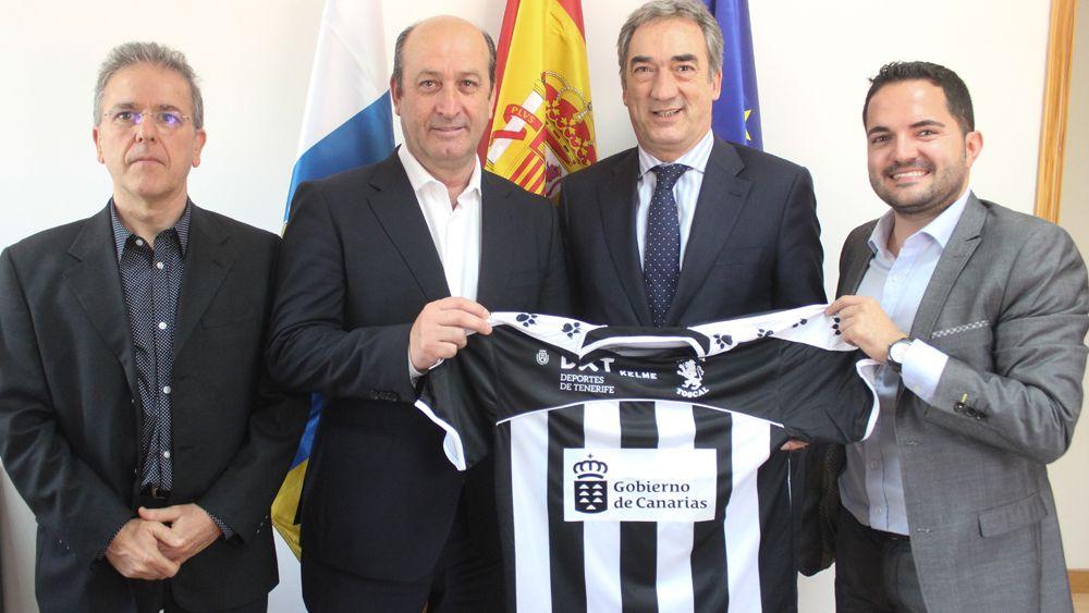 El presidente de la Liga Nacional de Fútbol Sala, de visita en Tenerife