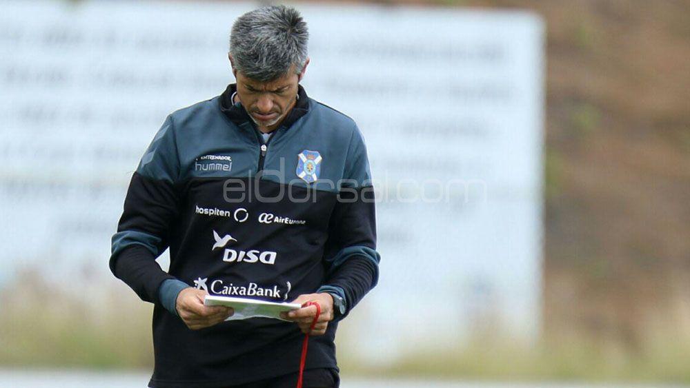 Martí, con dudas en todas las líneas para el CD Tenerife – Levante salvo la portería