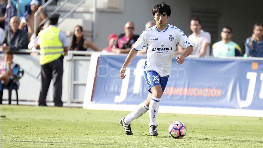 Gaku Shibasaki gana protagonismo en el CD Tenerife