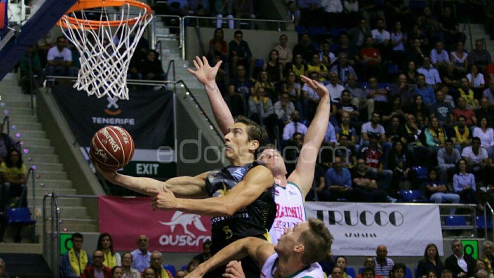 Iberostar Tenerife roza una remontada histórica ante el Baskonia en su vuelta a la ACB