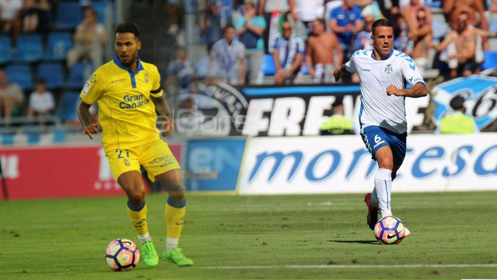 CD Tenerife y UD Las Palmas, apoyo incondicional al CD Mensajero