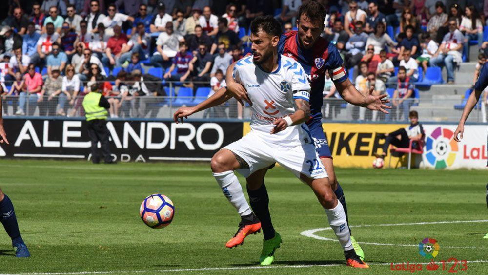 El doblete de Choco Lozano y el penalti que dio el empate a la SD Huesca