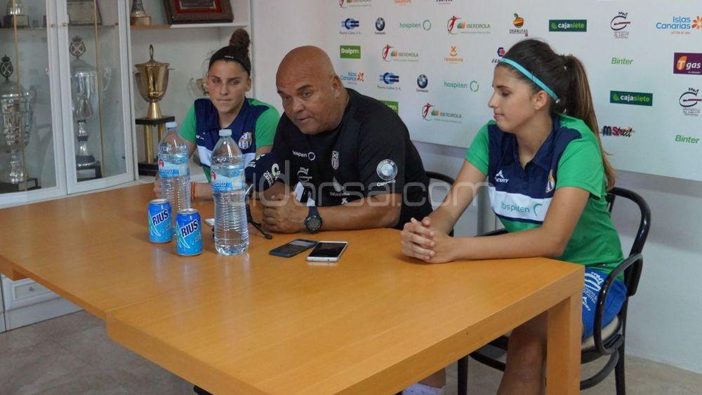 """Toni Ayala: """"Las gemelas Ramos son patrimonio de la UDG Tenerife, las echaremos de menos"""""""