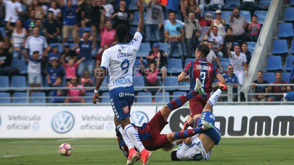 El 'uno por uno' del CD Tenerife contra el Levante