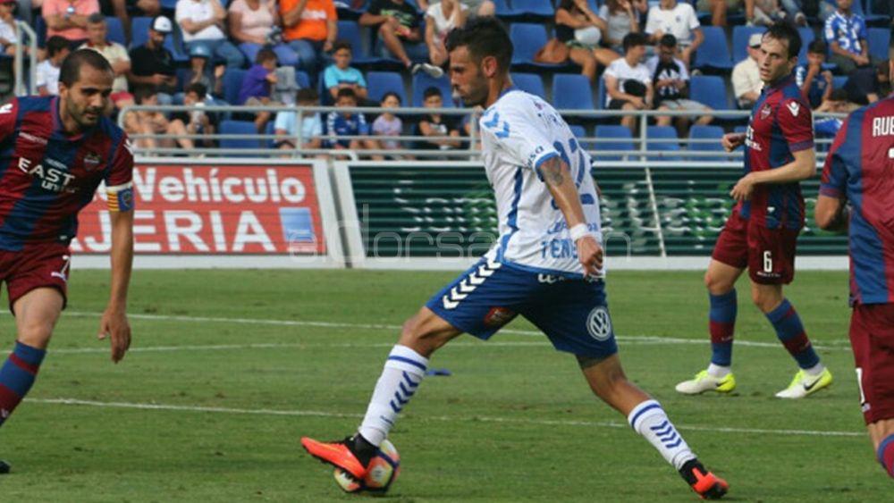 El CD Tenerife conserva la cuarta plaza a pesar del empate ante el Levante