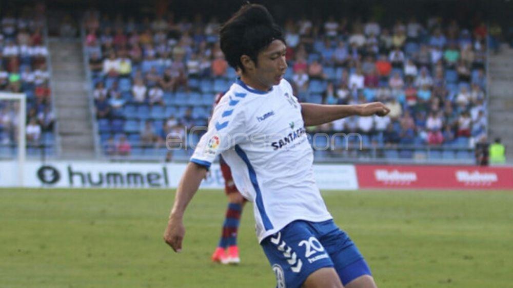 Gaku Shibasaki, el mejor del CD Tenerife ante el Levante