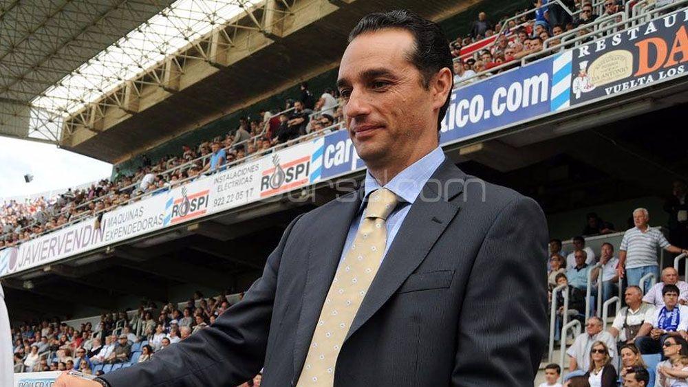 El ex del CD Tenerife José Luis Oltra, cerca de hacerse cargo del banquillo del Granada