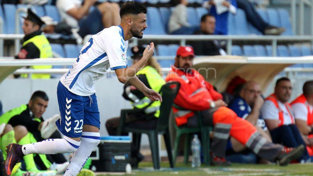 """Tayron del Pino: """"La opción de quedarme en el CD Tenerife es muy real"""""""
