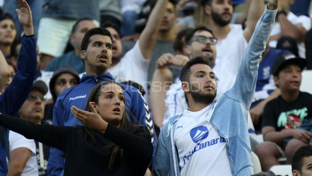 El CD Tenerife cataloga de 'haters' a algunos de sus seguidores en Twitter