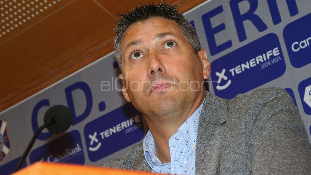 Alfonso Serrano con un pie fuera del CD Tenerife