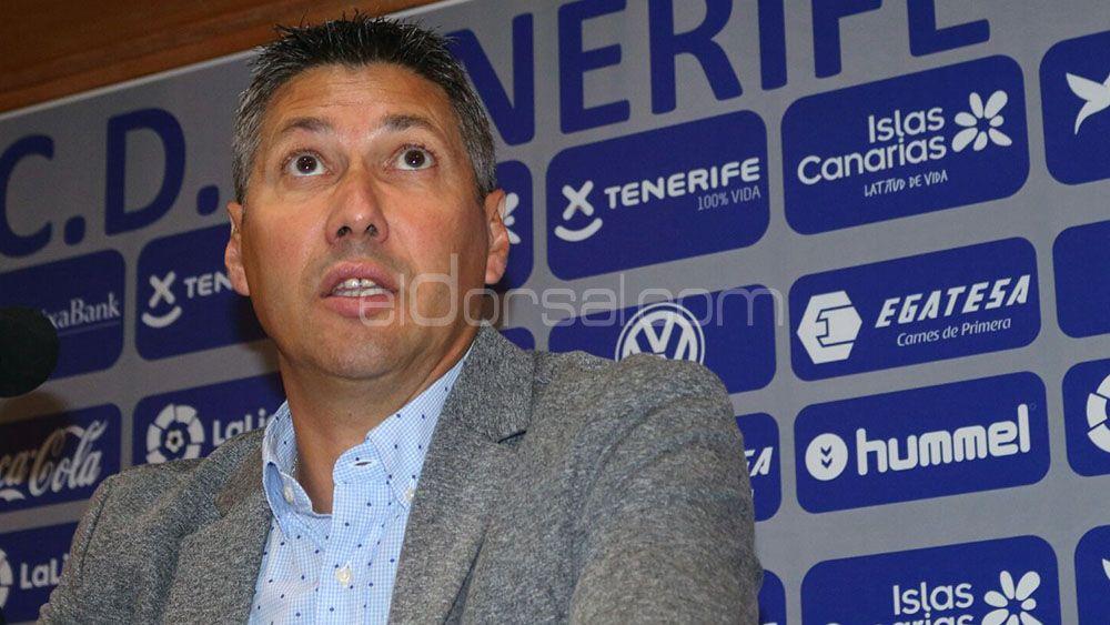 Serrano y sus planes, según el CD Tenerife consiga o no ascender