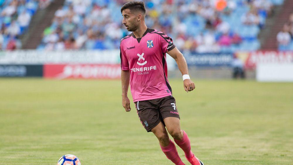 Omar se une al club de los goles inolvidables del CD Tenerife desde el centro del campo