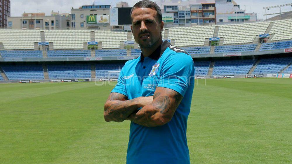 Vitolo se despide del CD Tenerife más de 200 partidos después