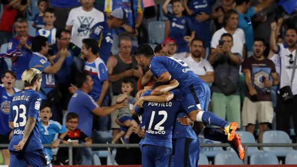El Getafe supera al Huesca en el Coliseum y espera rival en la final