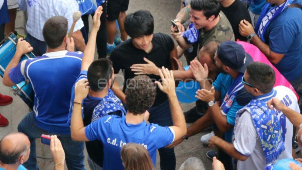 El último aliento de la afición a los jugadores del CD Tenerife
