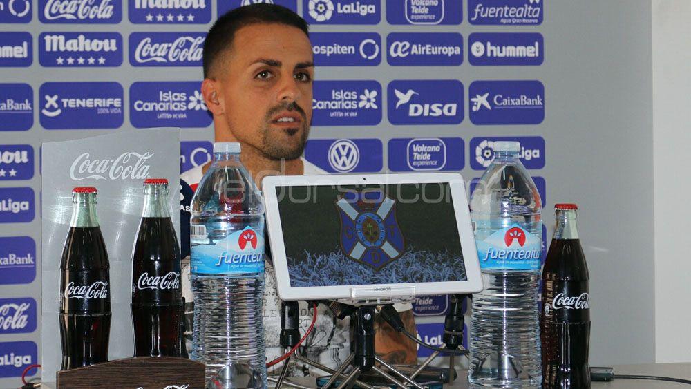 """Vitolo: """"El CD Tenerife no rehuirá ninguna 'batalla' ante al Getafe"""""""
