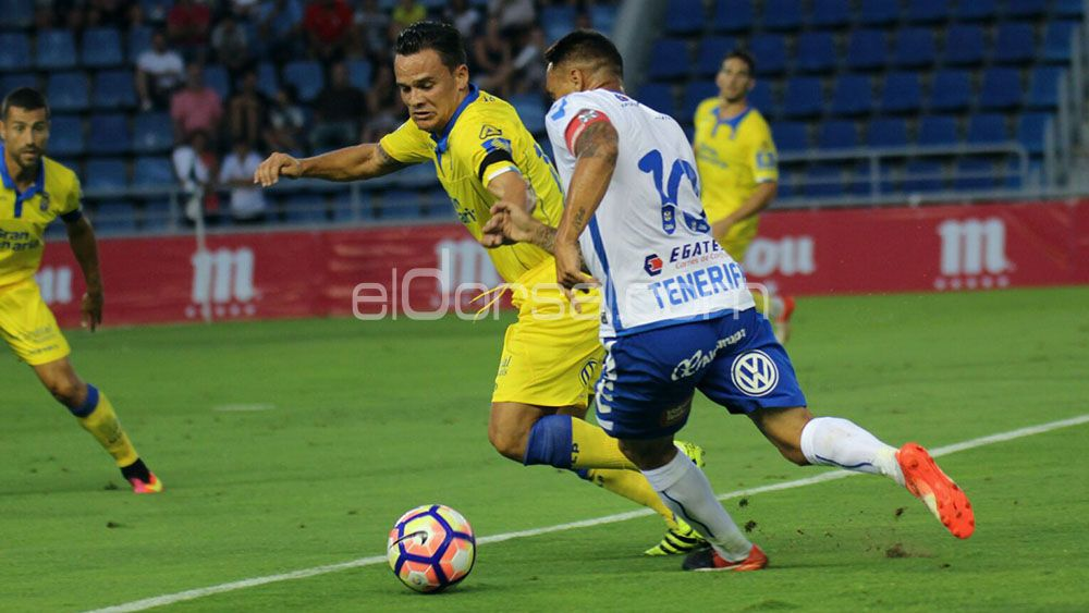 El CD Tenerife, tras los pasos de la UD Las Palmas