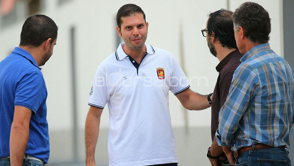 Trujillo Suárez seguirá arbitrando en Primera División