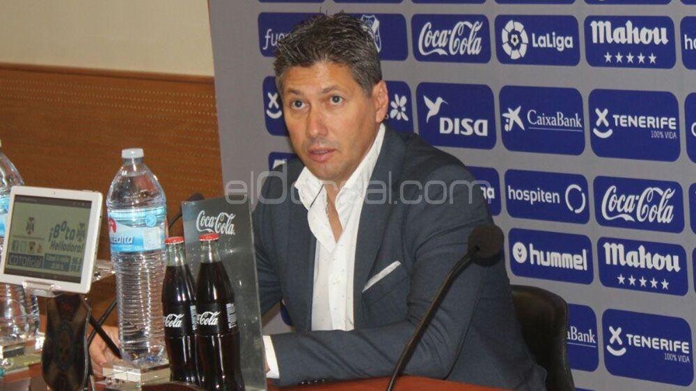 Alfonso Serrano cambia de estrategia en el CD Tenerife