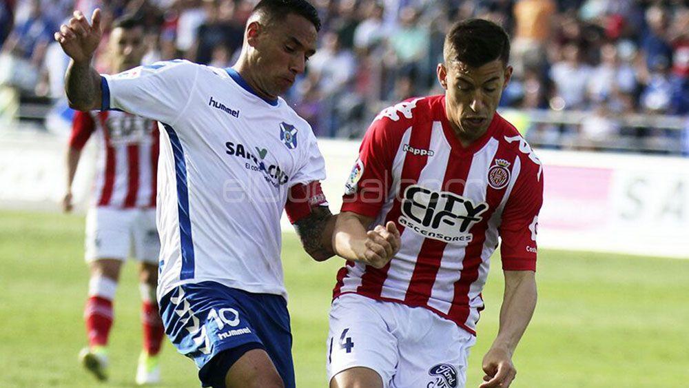 El pretendido por el CD Tenerife Rubén Alcaraz se marcha cedido al Almería
