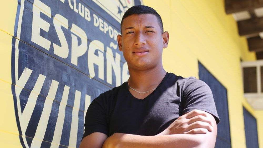 El hondureño Bryan Acosta, cuarto fichaje del CD Tenerife