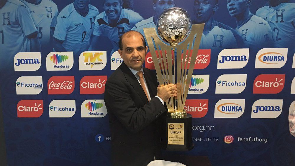 El presidente del Real España critica al nuevo jugador del CD Tenerife Bryan Acosta