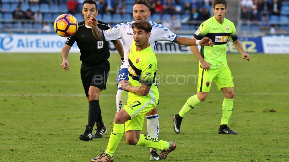 Luis Pérez refuerza la zaga del CD Tenerife