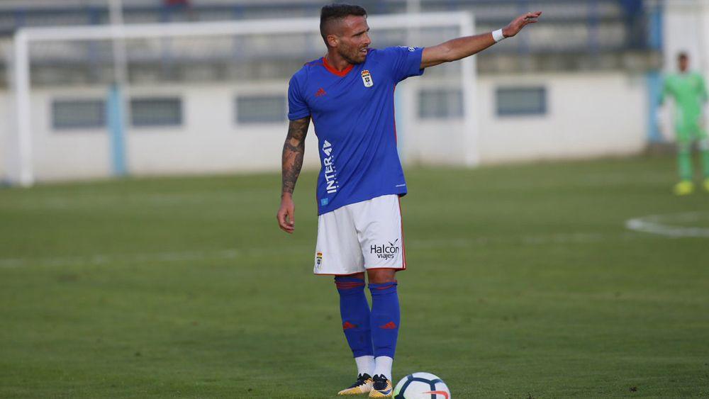 El ex del CD Tenerife Aarón Ñíguez debuta con el Oviedo con un gol de bella factura