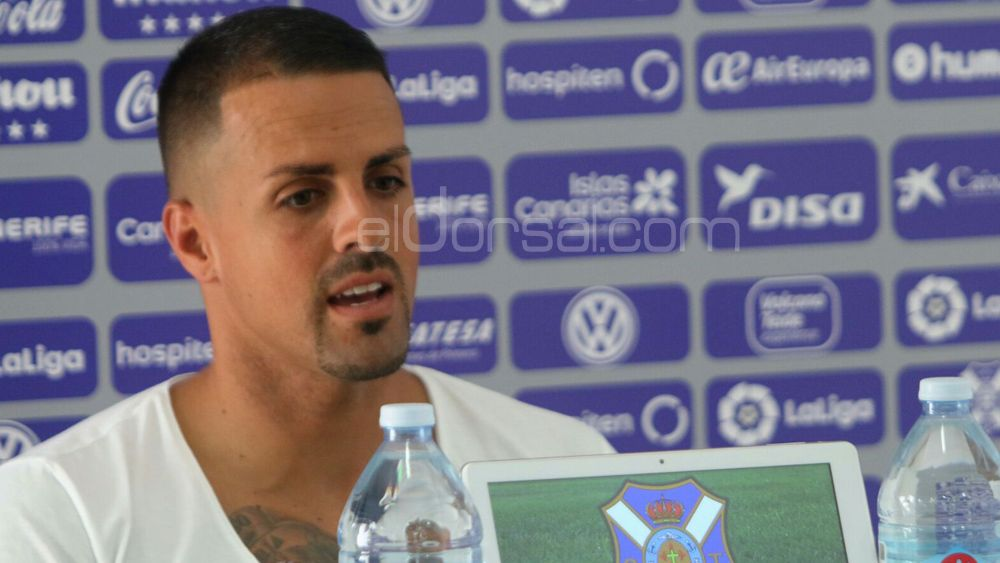 """Vitolo: """"La meta del CD Tenerife es ascender, conocemos el camino a seguir"""""""