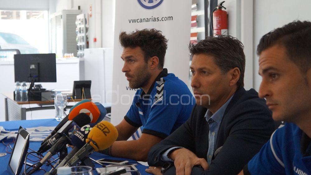Alfonso Serrano asegura que el CD Tenerife firmará a tres o cuatro jugadores más