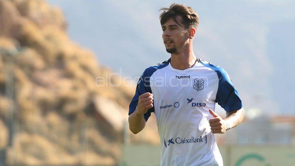 Luis Pérez, titular en el CD Tenerife – Zaragoza de forma forzosa