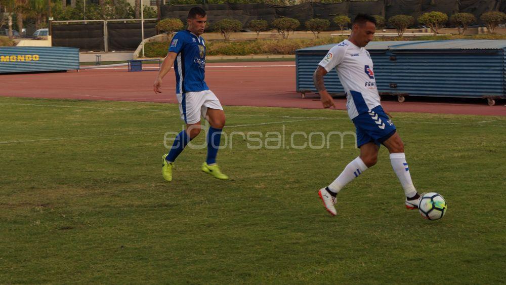 El CD Tenerife supera el primer test de pretemporada de forma cómoda