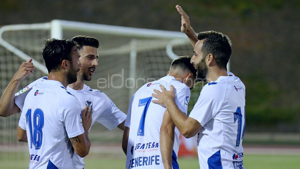 El CD Tenerife viaja a Gran Canaria con 21 futbolistas