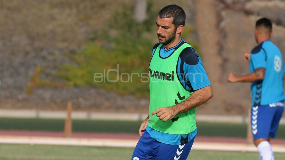 """Iñaki Sáenz: """"Es una gozada jugar en este CD Tenerife"""""""