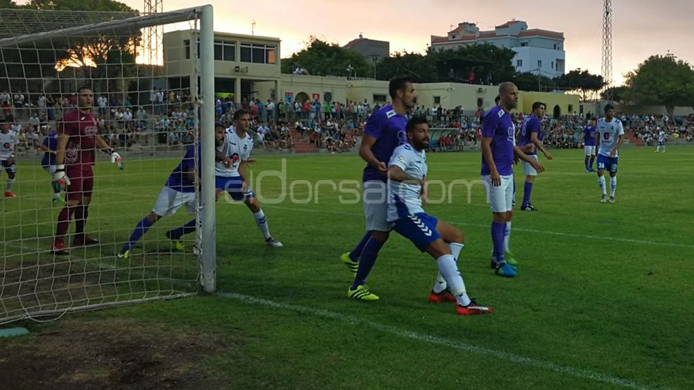 UD Ibarra, penúltimo test para el CD Tenerife a dos semanas del debut liguero