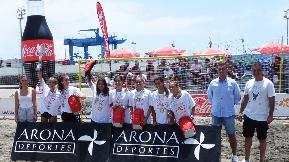 Los Cristianos vibra con el 'Arona Fútbol Playa 2017'