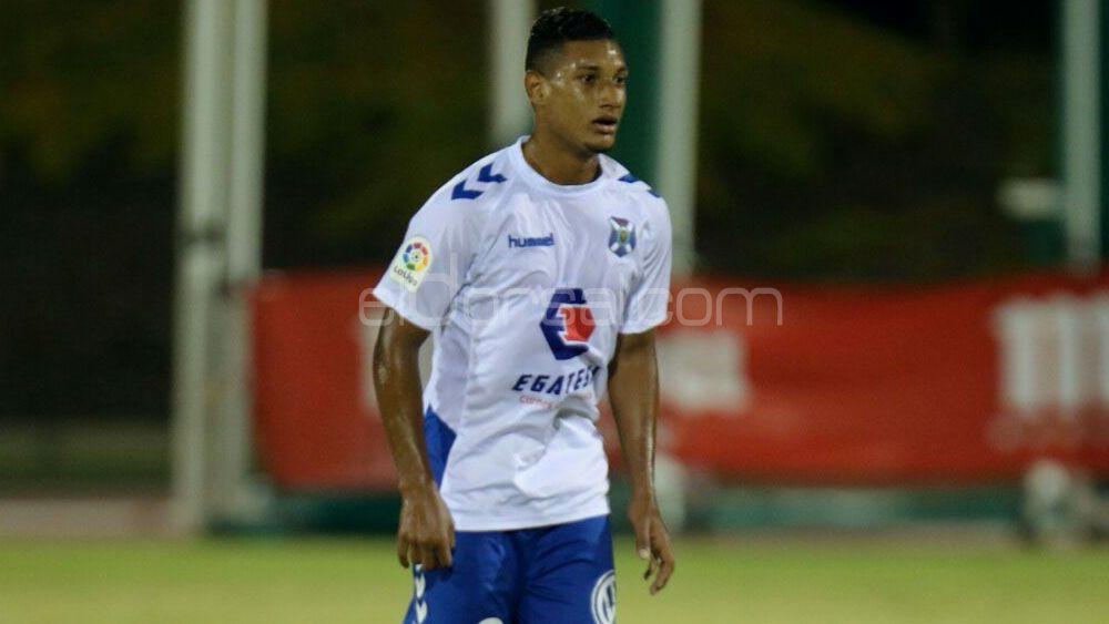 Bryan Acosta, baja para los compromisos del CD Tenerife ante Nàstic y Oviedo