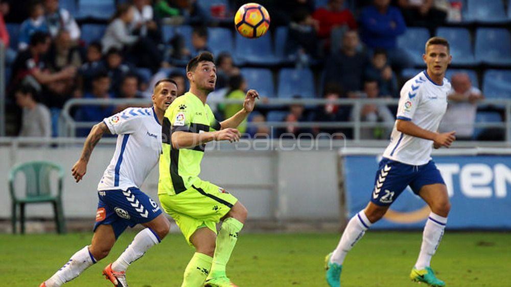 CD Tenerife y Deportivo de La Coruña estarían negociando por Borja Valle