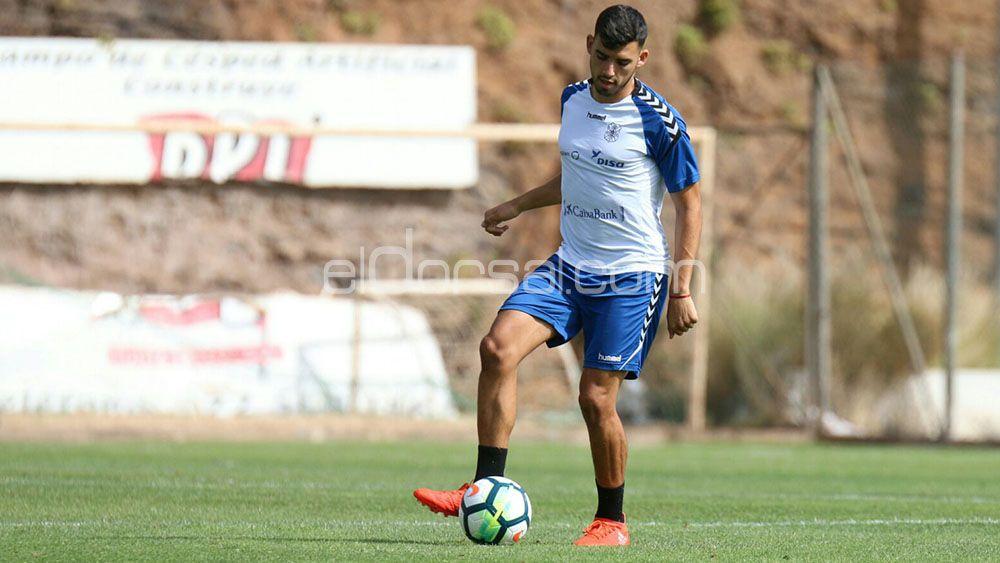 """Nadjib: """"Quiero demostrar que puedo seguir contando para el primer equipo del CD Tenerife"""""""