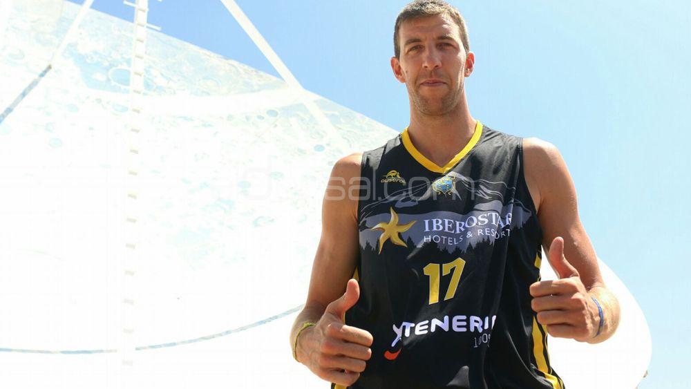 "Vázquez: ""Iberostar Tenerife ya ha olvidado la derrota contra el Barça, vamos por el Guaros de Lara"""