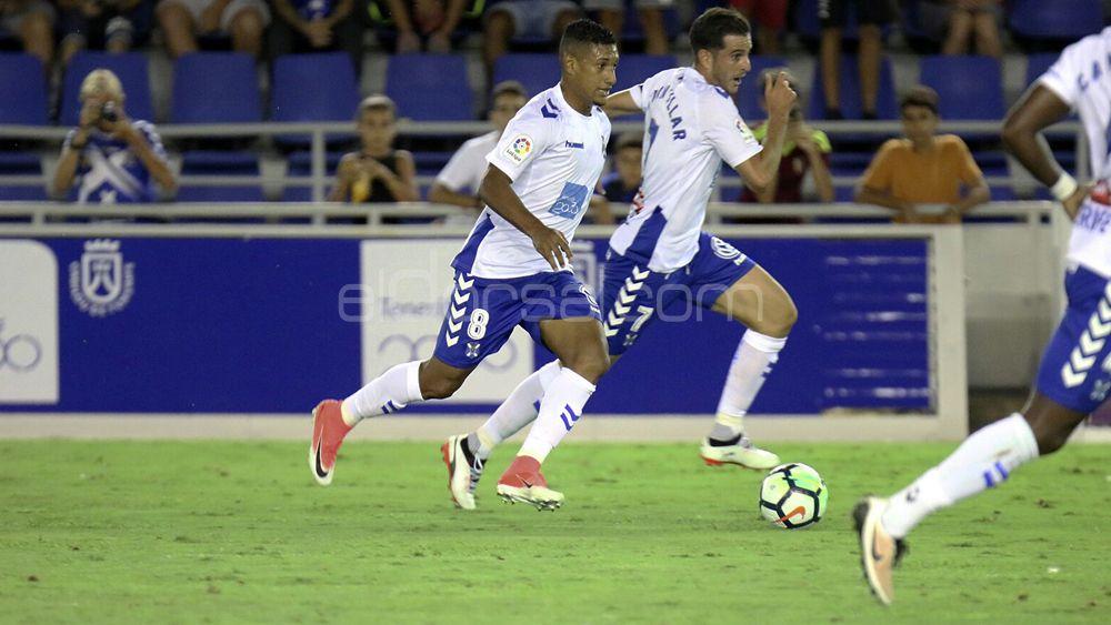 """Bryan Acosta: """"Deseo jugar con el CD Tenerife en Primera División la próxima temporada"""""""