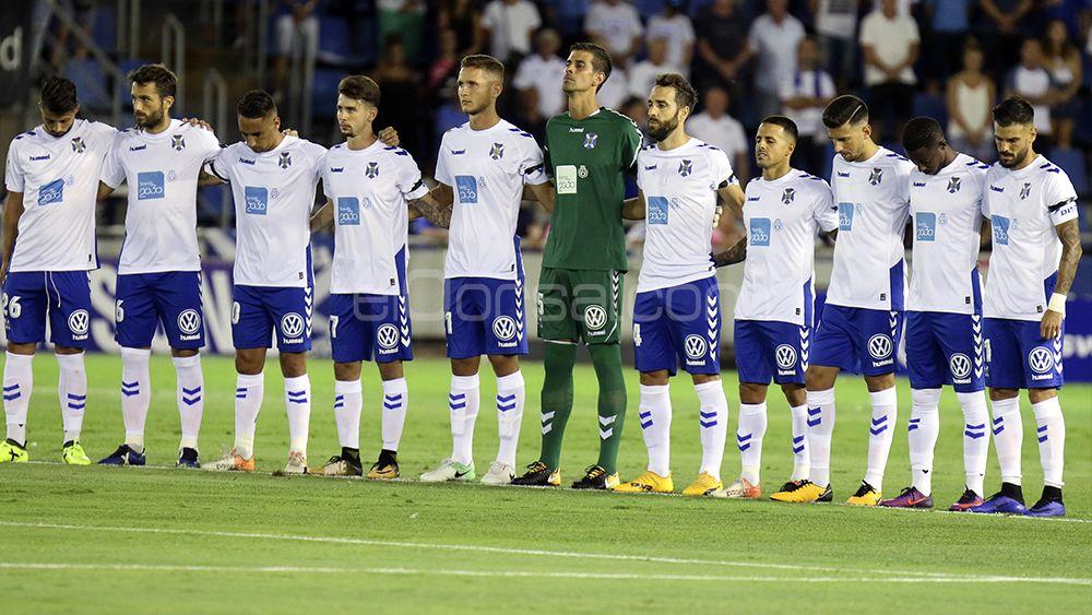 Minuto de silencio del once del CD Tenerife
