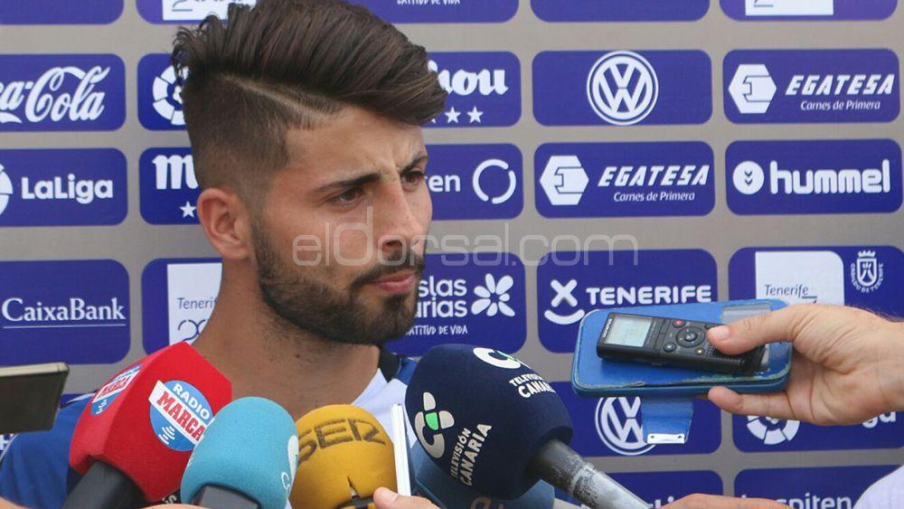 """Brian Martín: """"Mi equipo es el Tenerife B, pero estoy contento de ayudar al primer equipo"""""""
