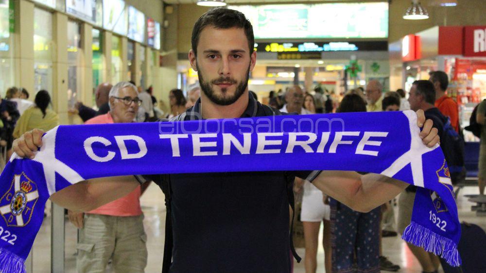 """Malbasic: """"Me gustaría jugar en Primera División, y si es con el CD Tenerife mucho mejor"""""""
