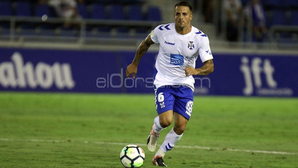 Vitolo, elegido mejor futbolista del CD Tenerife frente al CD Numancia