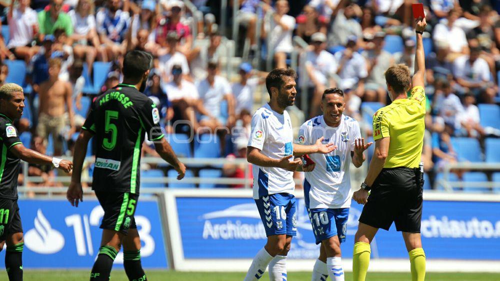 El CD Tenerife, a ganar y creer o perder y asomarse al pozo