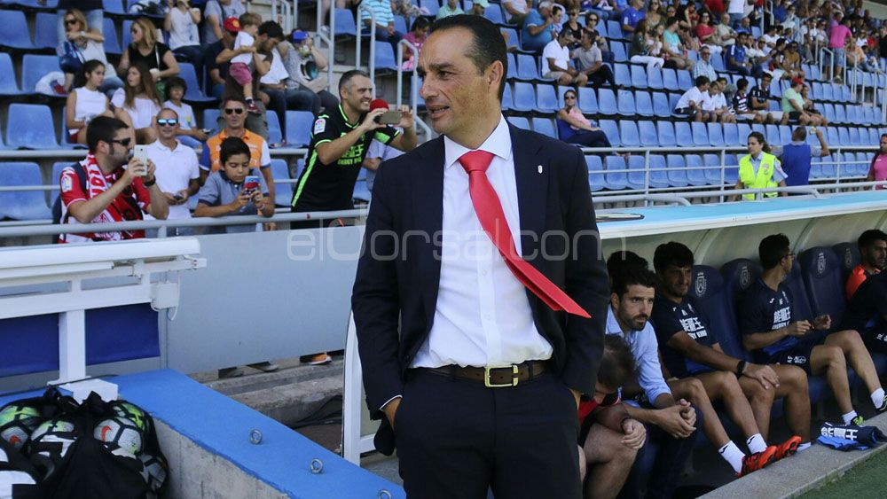 El Granada CF destituye a José Luis Oltra