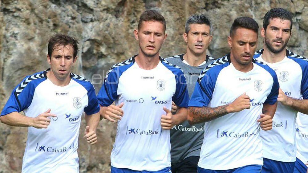 Elige el once del CD Tenerife para medirse a la AD Alcorcón