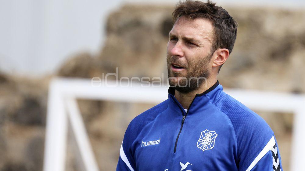 Víctor Casadesús, apto para estrenarse en partido oficial con el CD Tenerife